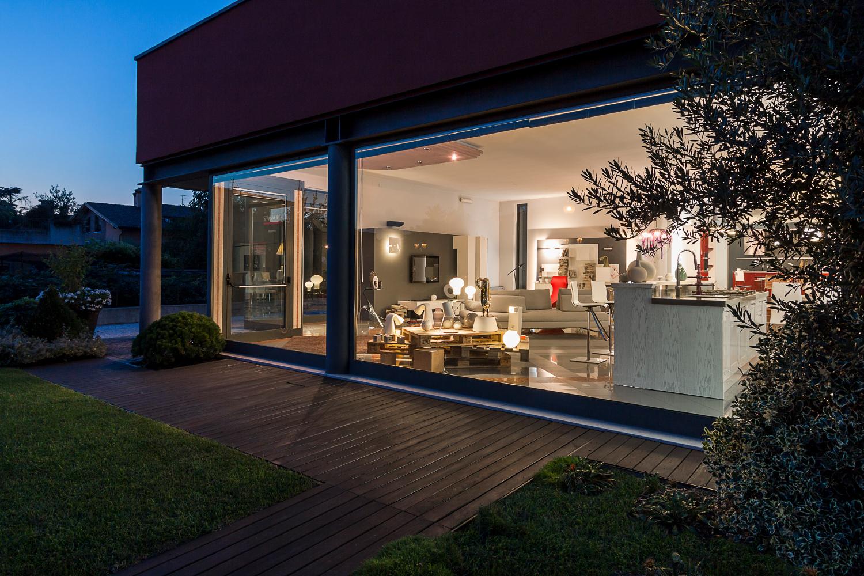 Outlet mobili verona elegant arredamento design moderno for Outlet mobili roma
